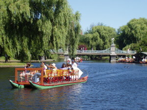 Swan_Boat_Boston_Public_Garden_Boston_Massachusetts-300x225 4 Fun Activities That Visitors To Boston Can Indulge In